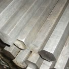 Шестигранник стальной ст.20 35 45 40Х 09г2с 30хгса горячекатаный в Омске
