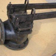 Клапан предохранительный чугунный 17ч3бр (рычажный) фл.
