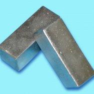 Молибден металлический в брикетах (99%)