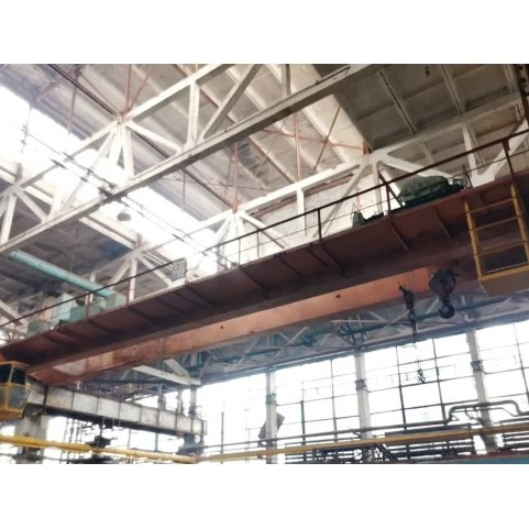 Мостовой кран, грузоподъемность - 5т. Ширина пролета - 22,5м