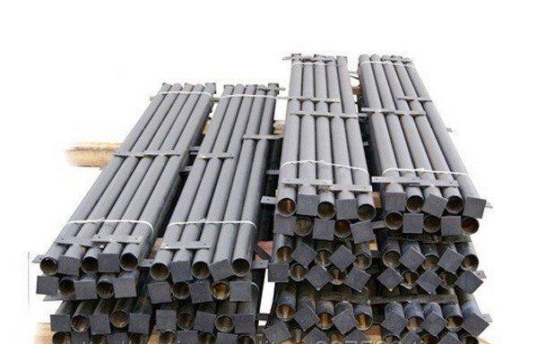 Столб стальной с планками, заглушками и грунтовым покрытием