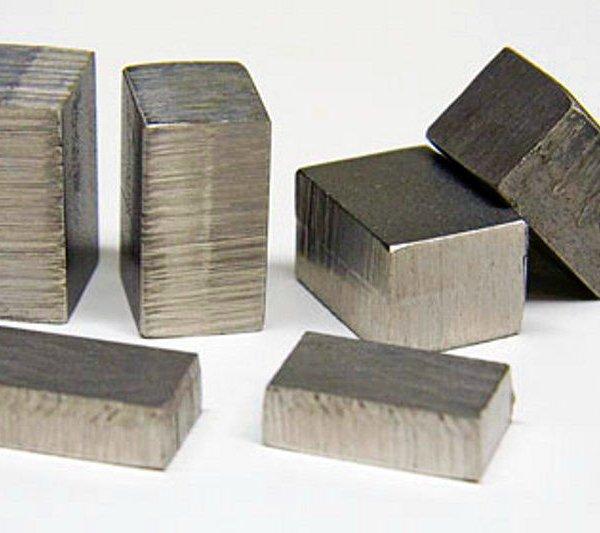 Сплав никеля в слитках